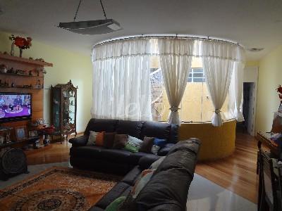 Casa de 4 dormitórios em Água Rasa, São Paulo - SP