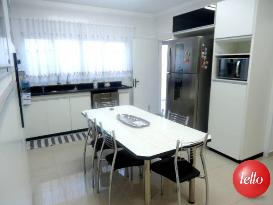 Casa de 3 dormitórios em Carrão, São Paulo - SP