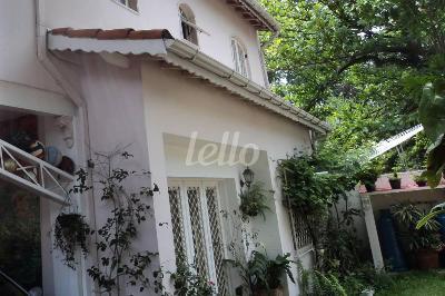 ÁREA EXTERNA - Casa 4 Dormitórios