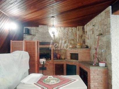 SALÃO COM CHURRASQUEIRA - Casa 4 Dormitórios