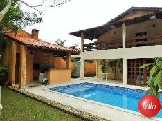 ESPAÇO GOURMET E PISCINA - Casa 4 Dormitórios