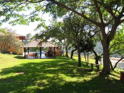VISTA DA CHURRASQUEIRA - Casa 5 Dormitórios