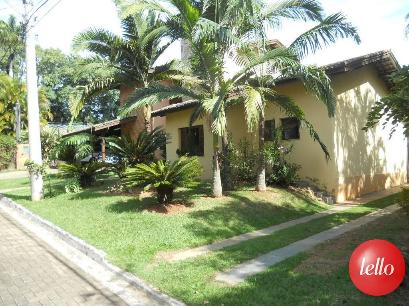 FACHADA ENTRADA LATERAL - Casa 4 Dormitórios