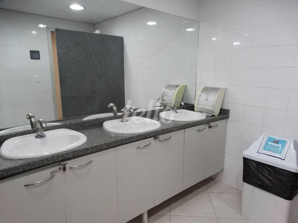 BANHEIRO SOCIAL I - Sala / Conjunto