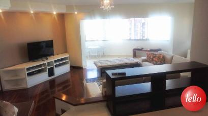 SALA COM SACADA - Apartamento 4 Dormitórios