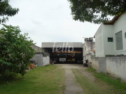 ÁREA DESCOBERTA ENTRADA - Galpão/Armazém