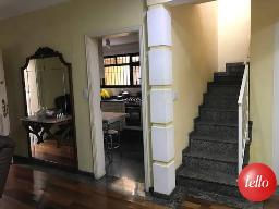 ESCADA ACESSO DORMITÓRIOS - Casa 3 Dormitórios