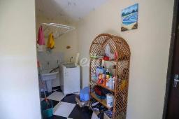 A SERVIÇO - Casa 4 Dormitórios
