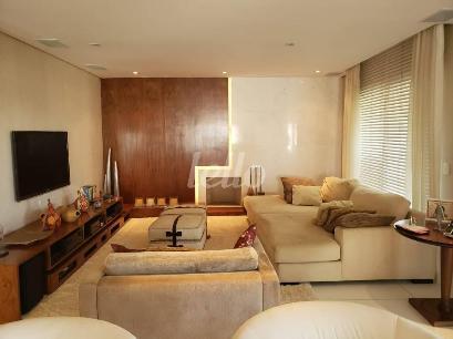 SALA COM LAREIRA - Apartamento 4 Dormitórios