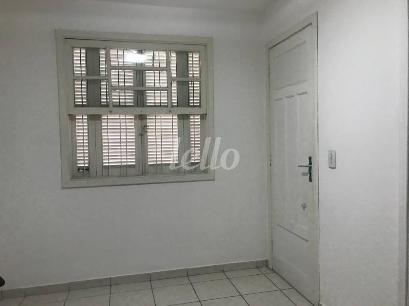 SALA PISO INFERIOR - Casa 2 Dormitórios