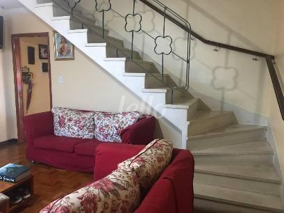 ESCADA  - Casa 2 Dormitórios