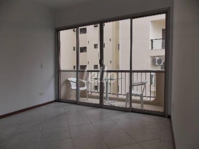 SALA COM SACADA - Apartamento 3 Dormitórios