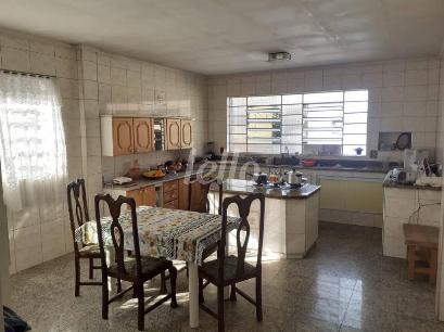 SALA E COZINHA INTEGRADAS - Casa 4 Dormitórios