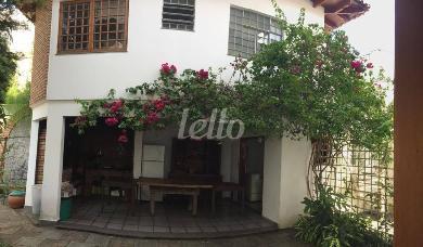 QUINTAL E LAZER - Casa 4 Dormitórios
