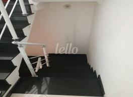 ESCADA DE ACESSO AOS DORMS - Casa 3 Dormitórios