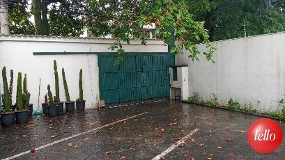 ESTACIONAMENTO - Casa