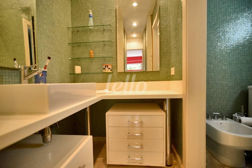 BANHEIRO DA SUÍTE  - Casa 4 Dormitórios
