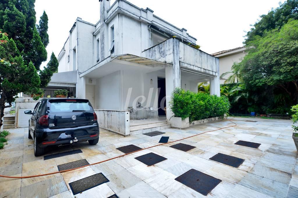 FACHADA - Casa 4 Dormitórios