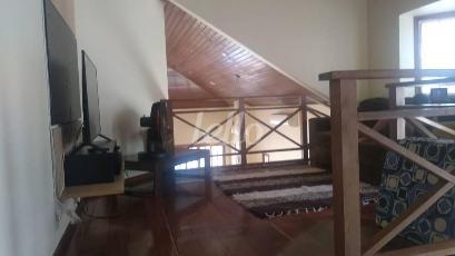 PISO SUPERIOR - Casa 4 Dormitórios