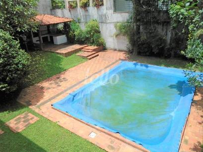 PISCINA/CHURRASQUEIRA/JARDIM - Casa 5 Dormitórios