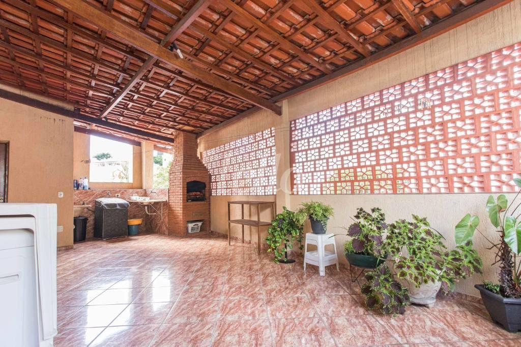 ÁREA COMUM CHURRASQUEIRA-1588 - Casa 3 Dormitórios