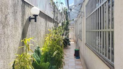 ENTRADA LATERAL - Casa 4 Dormitórios