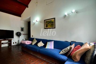 SALA DE TV - MEZANINO - Casa 5 Dormitórios