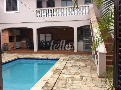 PISCINA E ESPAÇO GOURMET - Casa 3 Dormitórios