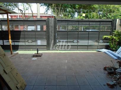 GARAGEM/ESTACIONAMENTO - Casa